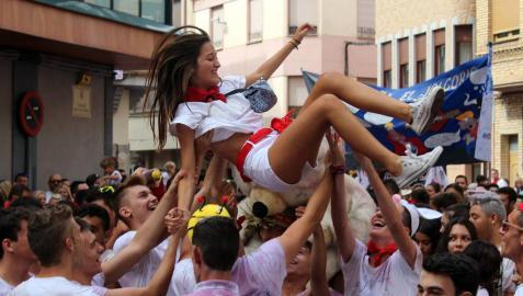 Azagra prendió este viernes, 7 de septiembre, la mecha que dio comienzo a sus fiestas patronales