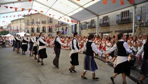 Olite entra en el ecuador de sus fiestas celebrando el Día de la Merindad