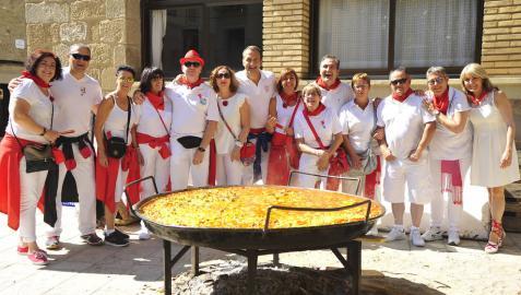 Una paella para trescientas personas en las fiestas de Olite