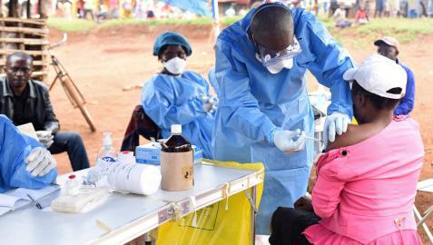 Ascienden a 70 las muertes probables por ébola en el noreste de la RD Congo