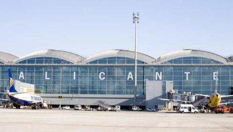 Dos detenidos en el aeropuerto de Alicante con 8 kilos de cocaína en maletas