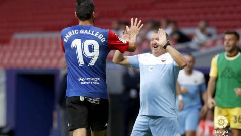 Enric Gallego impulsa al Extremadura hacia su primera victoria