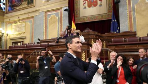 Pedro Sánchez obtiene la mayoría absoluta y es presidente del Gobierno