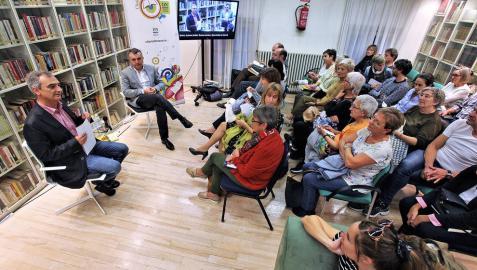 """Manuel Vilas, escritor: """"Cuando cuentas tu vida, arriesgas tu estimación social"""""""
