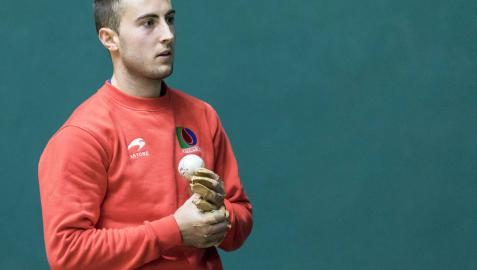 "Joanes Bakaikoa, delantero de Asegarce: ""Puedo ser agresivo ante cualquier pelotari"""