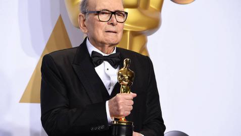 El maestro Ennio Morricone logra su primer Oscar a los 87 años