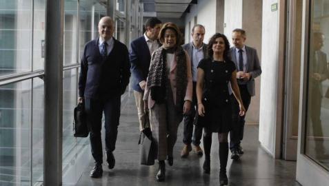 Yolanda Barcina, en la comisión de la CAN, niega responsabilidad personal directa en los procesos de fusión