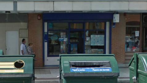 Administración de lotería donde se vendió el segundo premio, en la calle Irunlarrea.