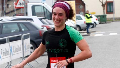 La navarra Enara Oronoz gana el triatlón de Reinosa