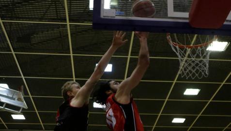 El Basket Navarra Club recupera la senda del triunfo