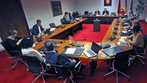 La Comisión que investiga sobre Caja Navarra el día en que compareció el ex presidente Miguel Sanz.