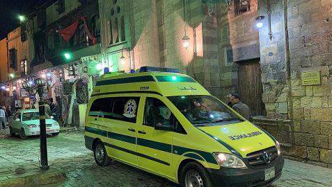 Tres policías muertos tras inmolarse un terrorista en El Cairo