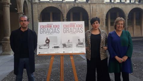 El director del servicio de recursos humanos, Javier Iglesias Álvarez; la consejera de Educación, María Solana Arana y la directora de Universidades y Recursos Educativos, Nekane Oroz Bretón en la presentación de la campaña.
