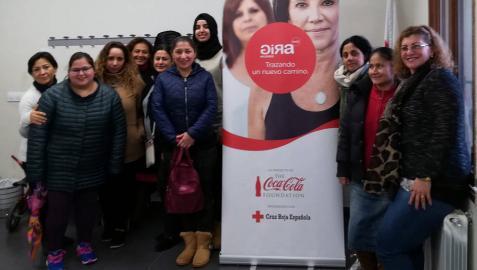 El taller de empleo de Cruz Roja y Coca-Cola reúne a 70 mujeres