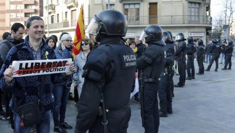 Un total de 28 heridos, entre ellos 12 mossos, durante las manifestaciones por la huelga