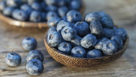 Comer arándanos puede ayudar a disminuir la presión arterial