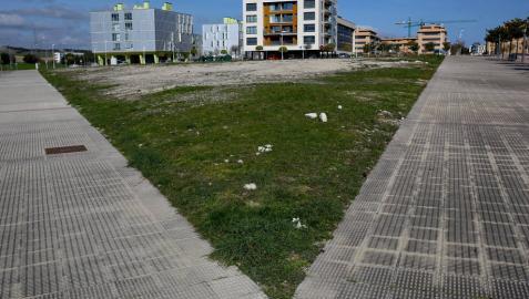 Terrenos donde se construirá el supermercado de Eroski en Ardoi.