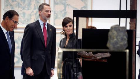 Los Reyes visitan ARCO en una edición con polémica por la figura del 'Ninot' de Felipe VI