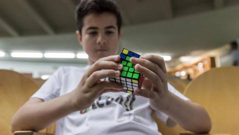 El XV Campeonato de España de Speedcubing tuvo lugar en el frontón de labrit, con 148 jugadores inscritos.