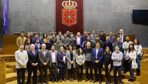 Recepción en el Parlamento a los participantes en el Campus de Jóvenes Cooperativistas