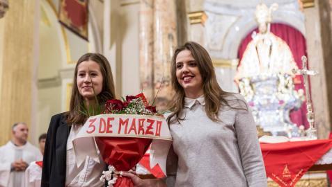 Homenaje de la Escalera para Teresianas y Salesianos
