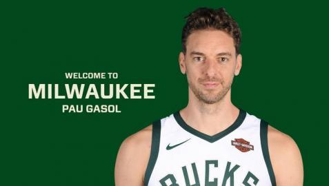 Pau Gasol, con la camiseta de los Milwaukee Bucks.