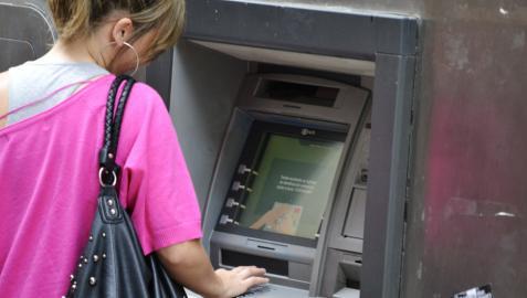 Las quejas por comisiones bancarias se triplican desde 2007