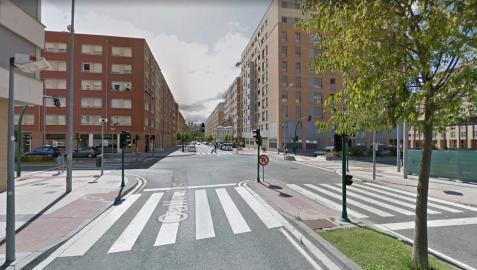 Cruce de la calle de Juslarrocha con la calle deOchagavía de Pamplona, donde se produjo el atropello.