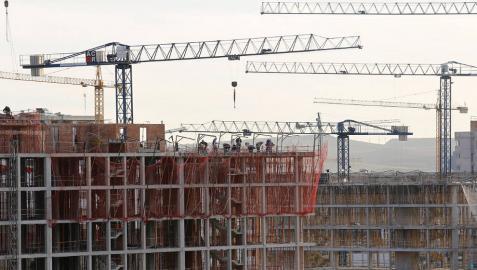 Las promotoras han vendido de forma discrecional 69 pisos VPO desde 2013