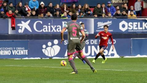 Imágenes del partido Osasuna-Cádiz disputado en El Sadar.