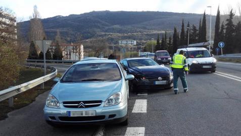 Colisión de dos vehículos cerca de Aizoain, sin heridos