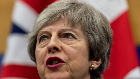 May obtiene garantías legales con las que espera aprobar el Brexit