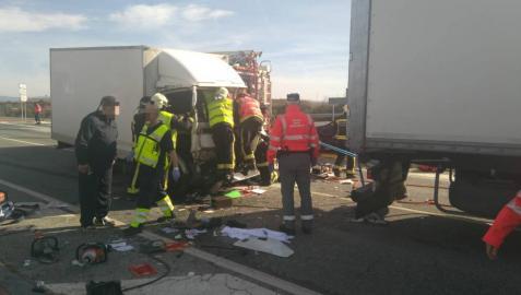 Un conductor herido en un accidente de tráfico en la N-121, en Caparroso