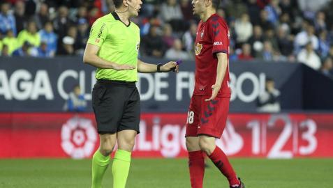 El Málaga pone una queja oficial por el arbitraje ante Osasuna
