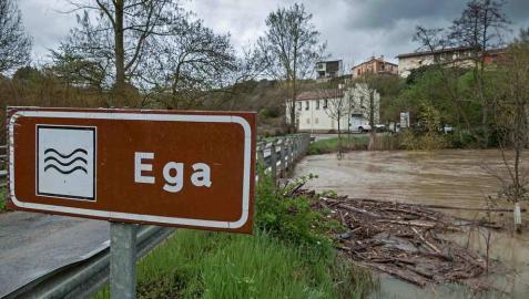 Salvemos el Ega recoge más de 500 alegaciones contra el plan del agua