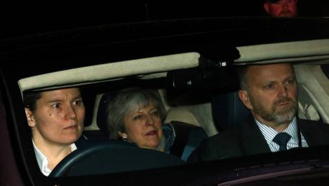 Theresa May abandona el Parlamento británico.