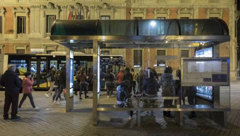 Estudian mejorar la cobertura de las villavesas nocturnas en Pamplona