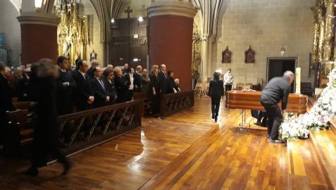 Multitudinaria despedida en el funeral del ex presidente Juan Manuel Arza en Estella