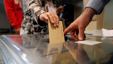 Francia empieza a votar en las elecciones más convulsas de los últimos años