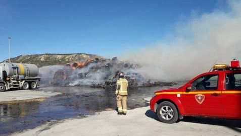Controlado el incendio de la fábrica de 'pellets' de Erla