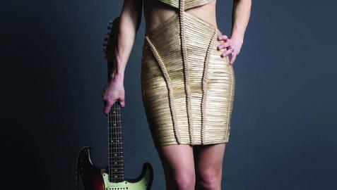 La guitarrista Ana Popovic lleva su blues a Pamplona