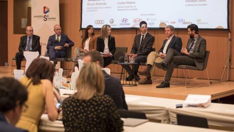 250 profesionales debaten sobre los retos de la movilidad eléctrica