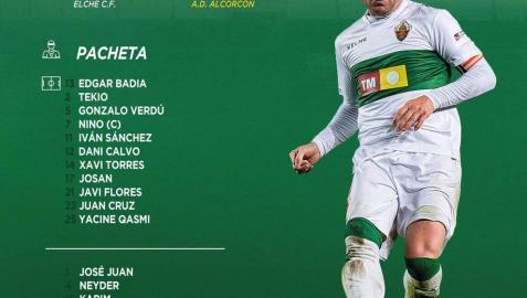 La afición del Elche homenajea al exrojillo Nino por sus 400 partidos con el club