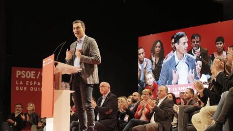 Sánchez acusa a PP, CS y Vox de tener