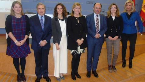 Elisa Genua, José Antonio Sarría, Gabriela Uriarte, María Victoria Vidaurre, Manu Ayerdi y Mayte Irisarri.