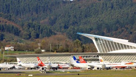 Una nueva autovía ofrece una ruta más corta al aeropuerto de Bilbao