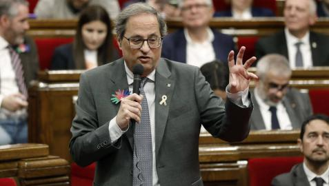 El presidente de la Generalitat, Quim Torra, durante una sesión de control al Govern en el pleno del Parlament.