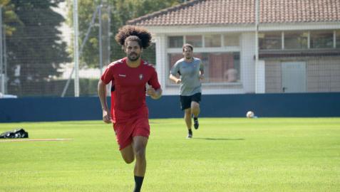 Aridane se entrena por primera vez con grupo tras su esguince en pretemporada