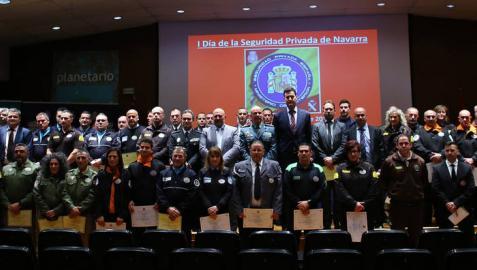 Homenajeados 47 empleados en el sector de la seguridad en Navarra