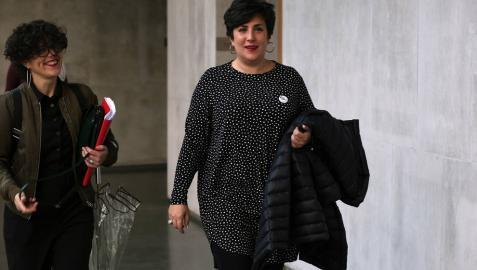 La consejera María Solana, tras la comparecencia en el Parlamento de Navarra por el programa de educación Skolae.